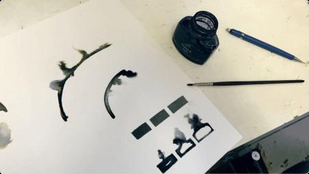 INKS 의 개발을 위해 실제 잉크와 캔버스로 실험
